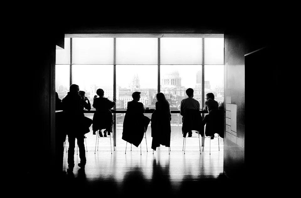 职场避坑:若何与利益相关部门打交道?